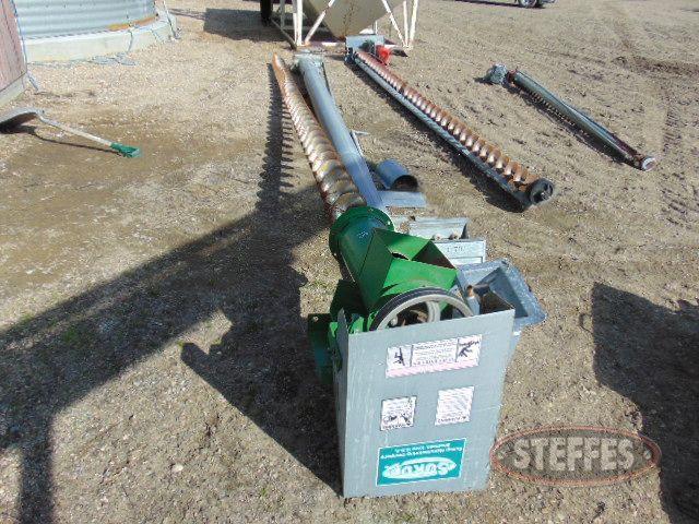 Center unloading auger,_1.jpg