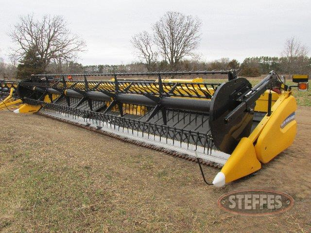 2013 New Holland  880CF_0.jpg